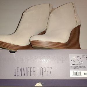 NWB Women's Boots Light Tan Jennifer Lopez Jlreena